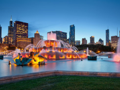 Buckingham-Fountain-in-Grant-Park-Chicago