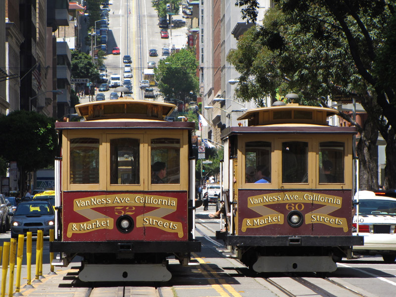 Public-Cablecars-in-San-Francisco