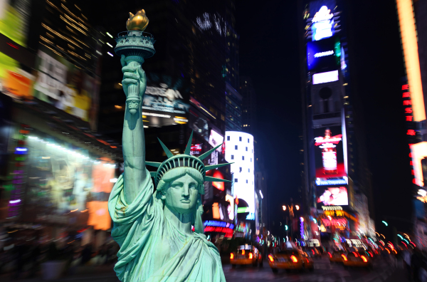 Times_Square_at_Night